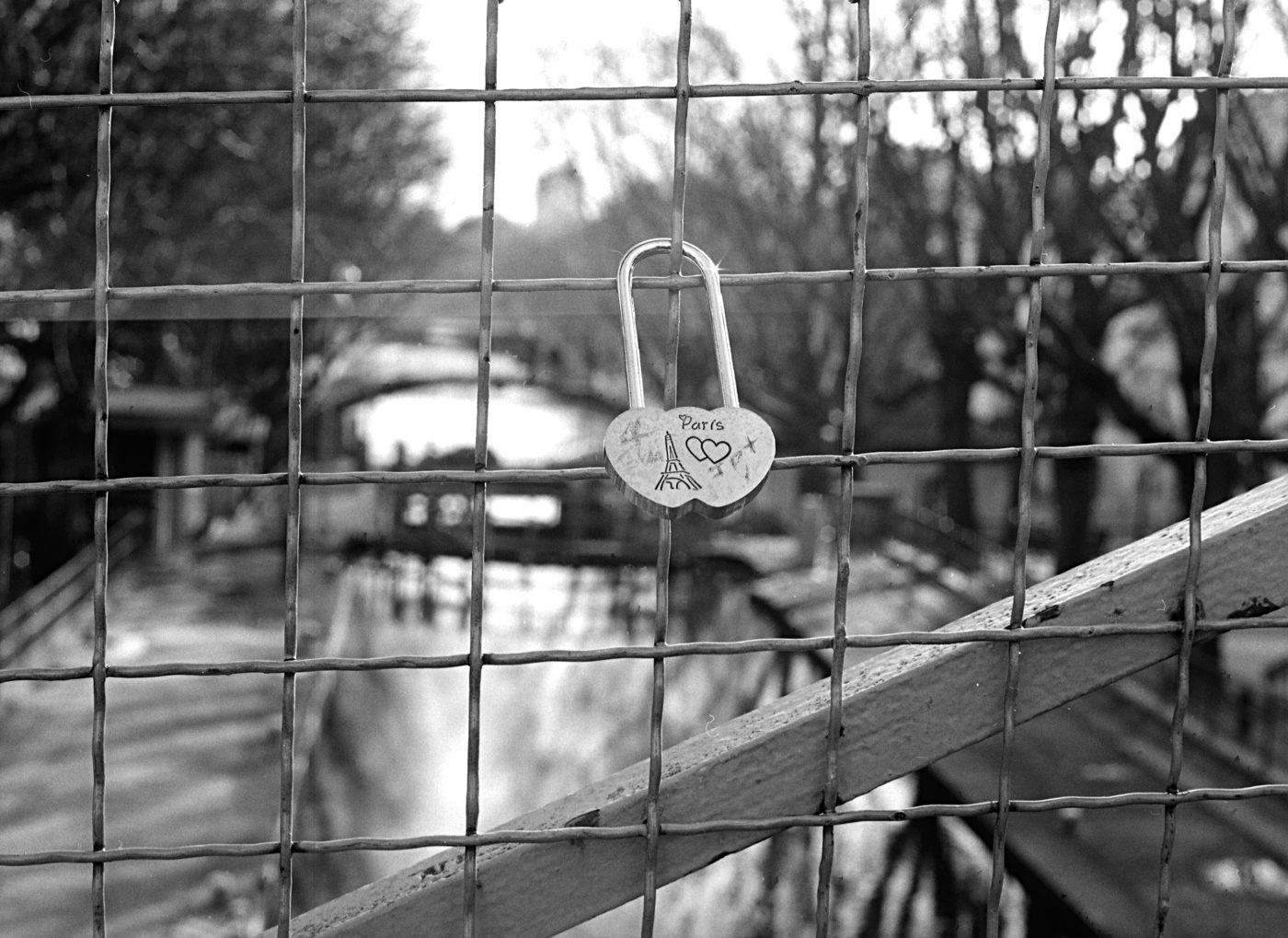 Single love locker